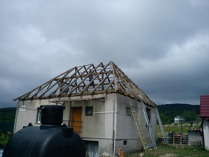 suffo - Rozobratá strecha