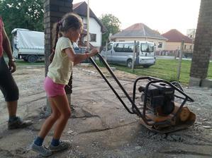 Malá pomocníčka