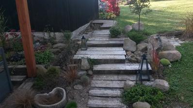 Záhradný architekt zo mňa nebude, ale sú to moji miláčikovia :-)