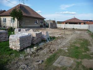 pozemok pred stavbou