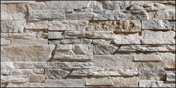 dnes nám už doniesli aj kamen na steny