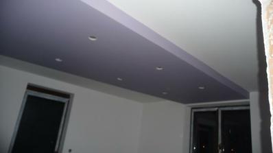 strop v spálni