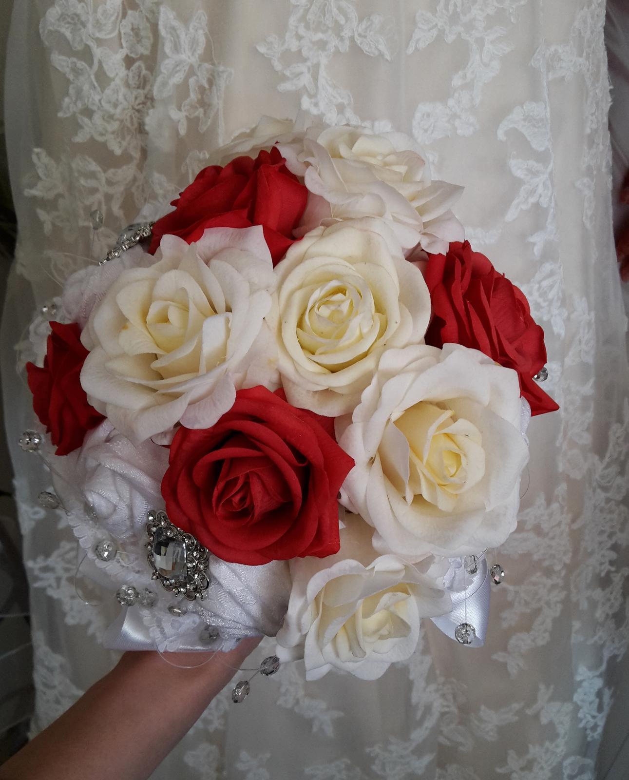 Z ruží... - Obrázok č. 16