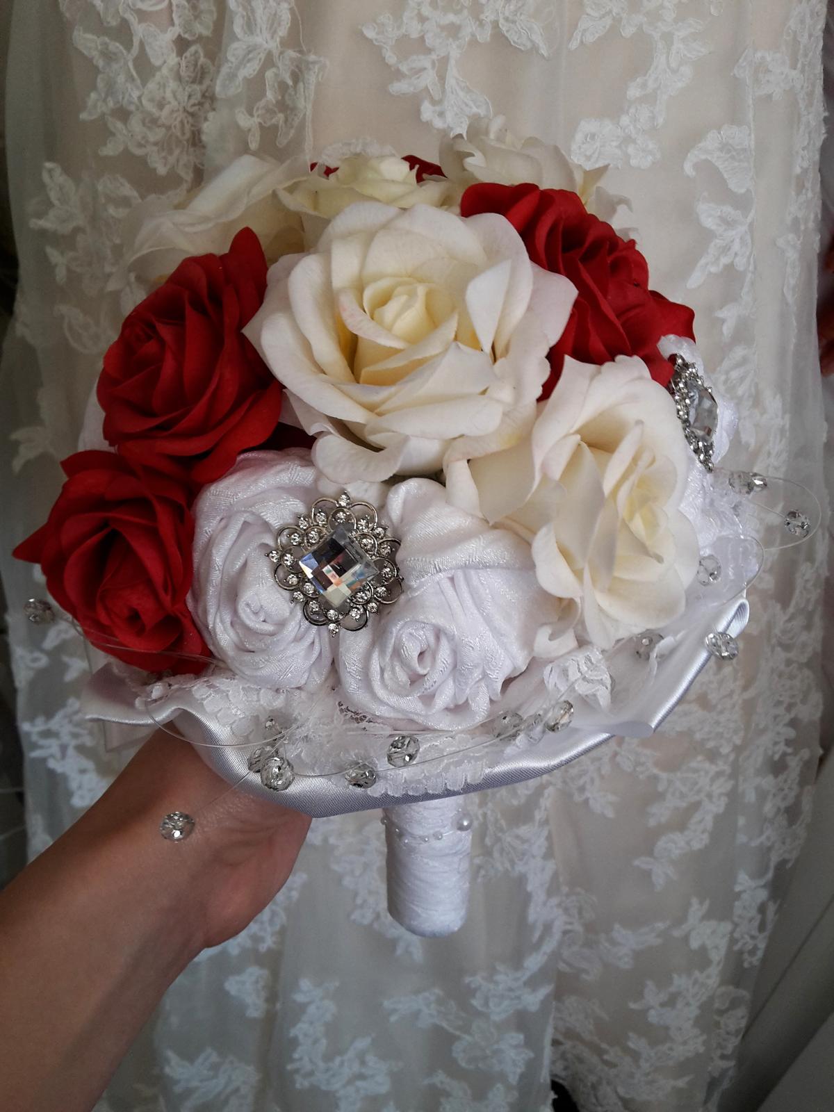 Z ruží... - Obrázok č. 17