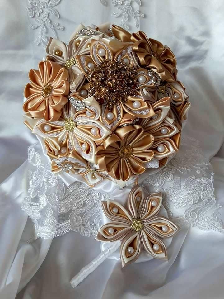 Kytice z kanzashi kvetov - Obrázok č. 35