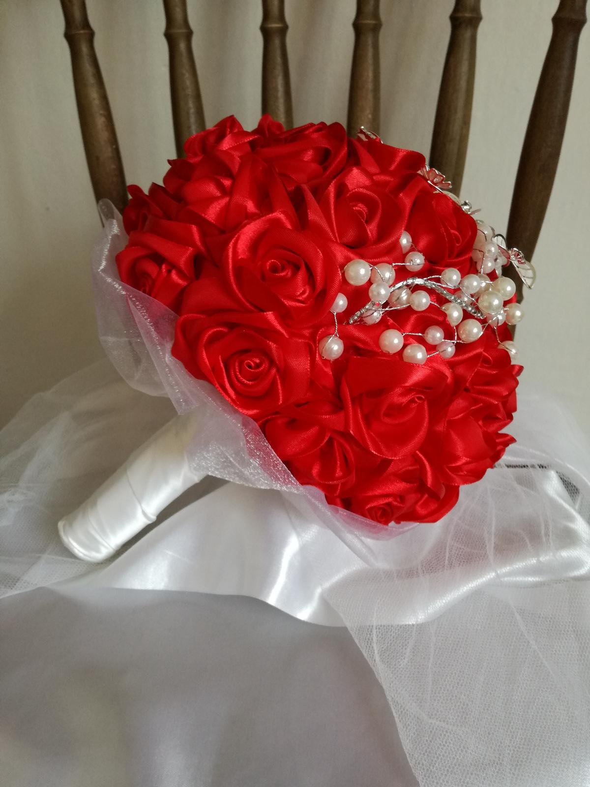 Saténové ruže - Obrázok č. 33