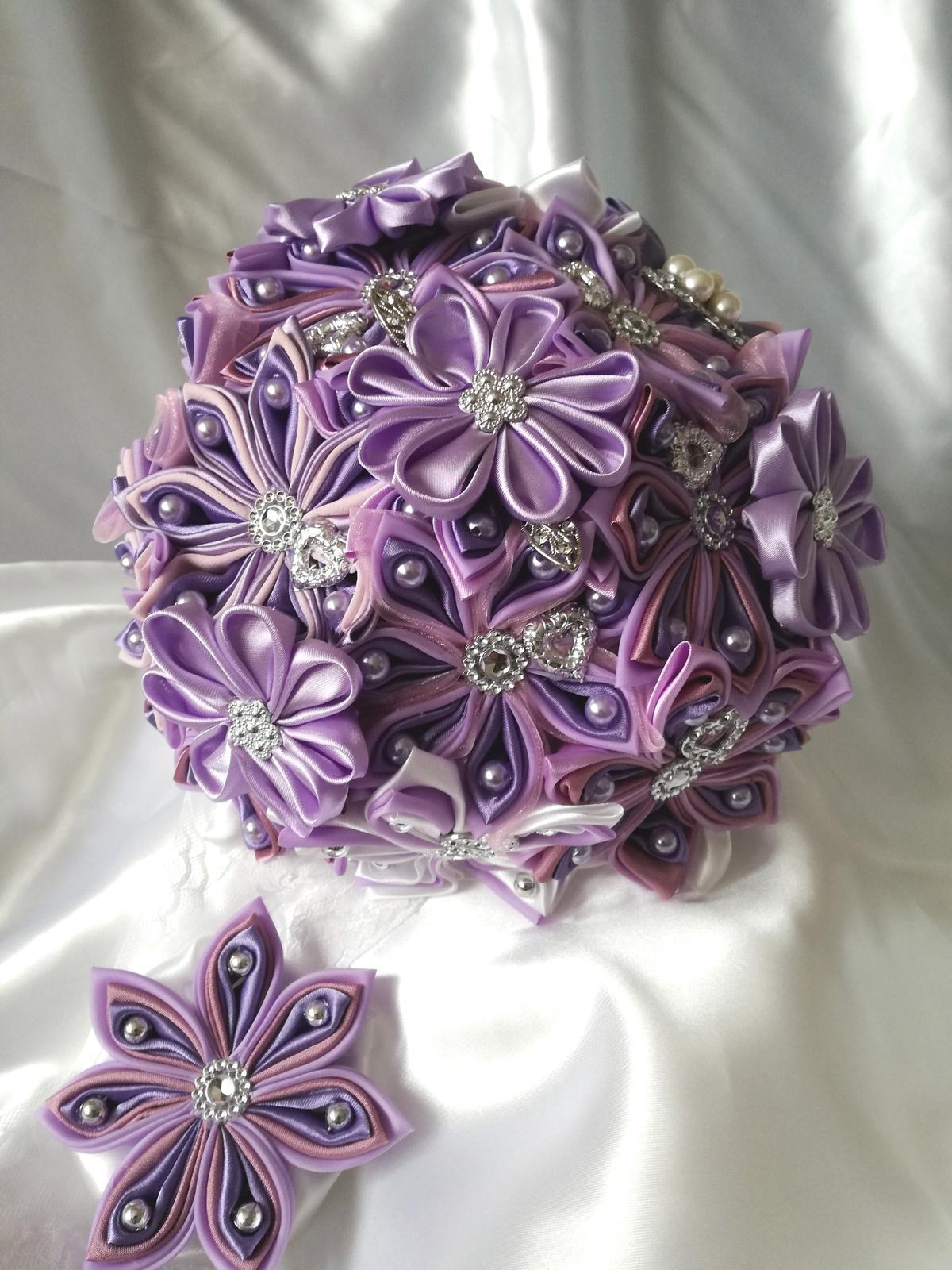 Kytice z kanzashi kvetov - Obrázok č. 48