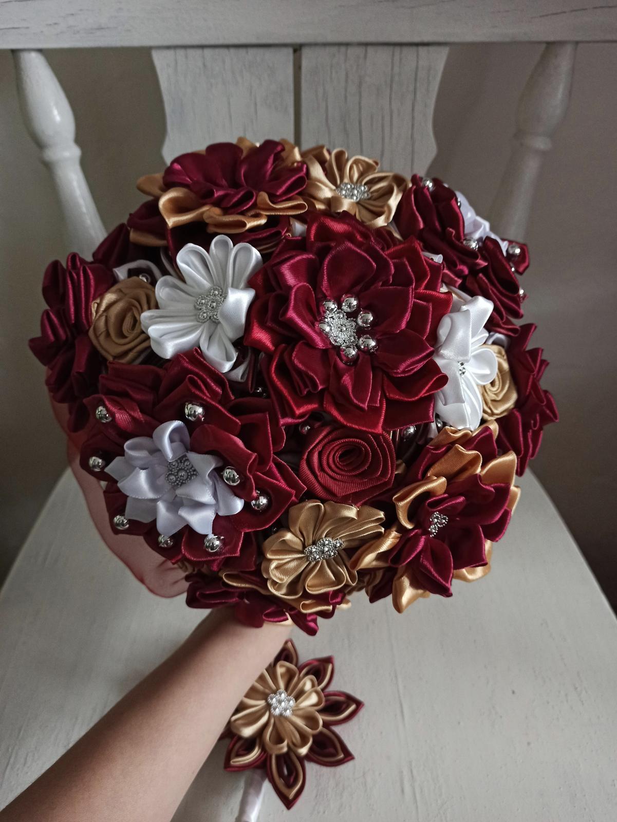 Kytice z kanzashi kvetov - Obrázok č. 59