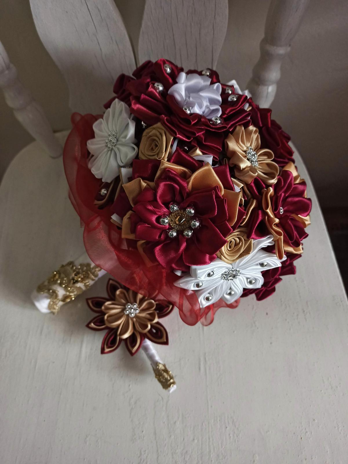 Kytice z kanzashi kvetov - Obrázok č. 61