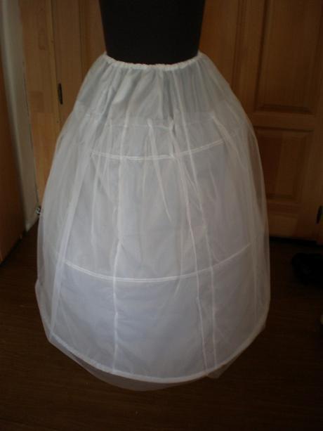 3-kruhová spodnička s tylom,pošta v cene - Obrázok č. 1
