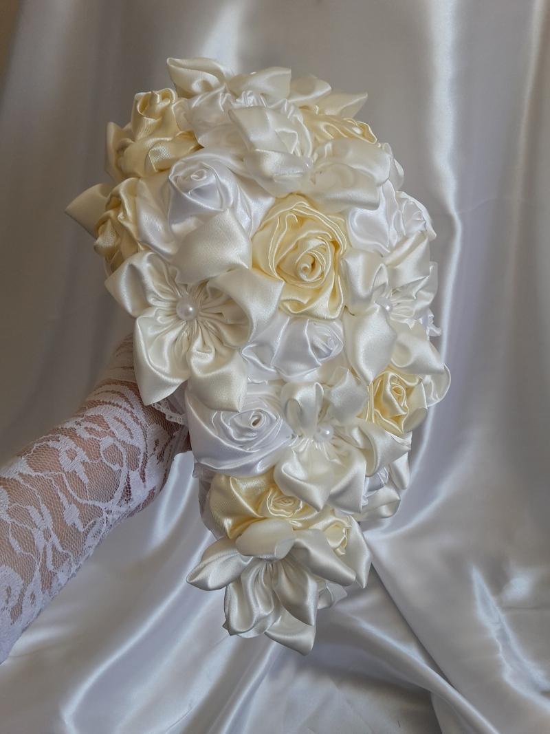 Svadobná kytica previslá, krémová,pošta v cene - Obrázok č. 1