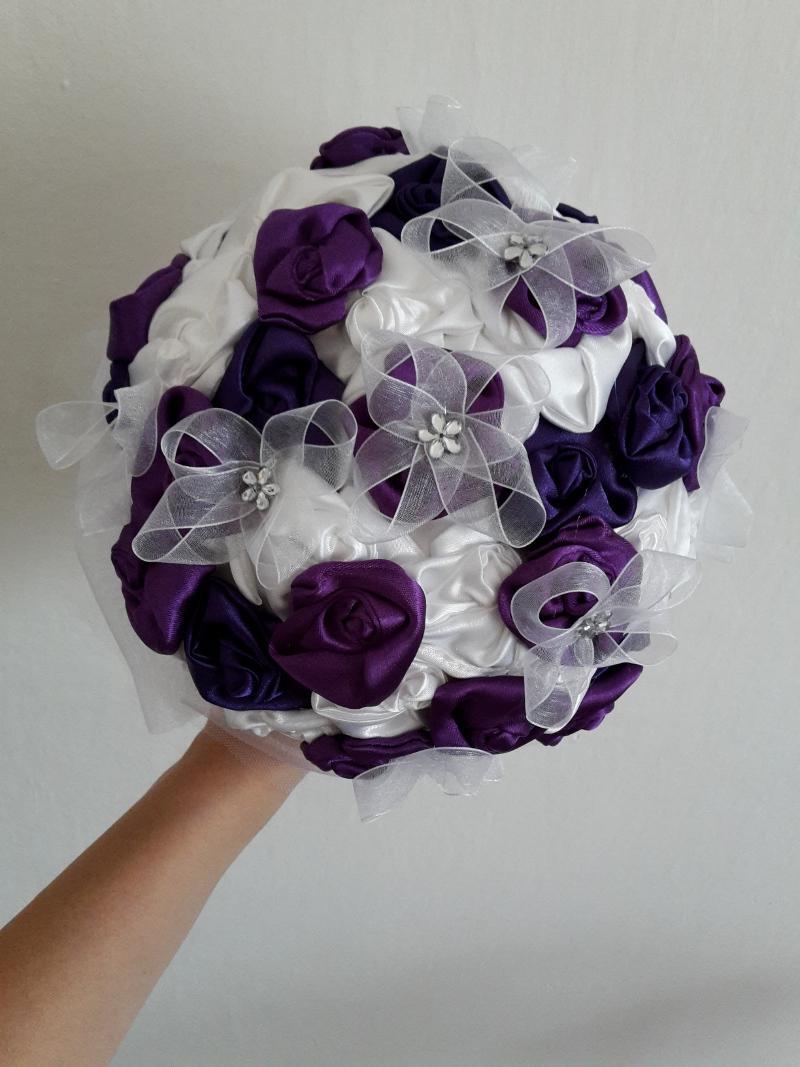 fialovo biela kytica - Obrázok č. 1