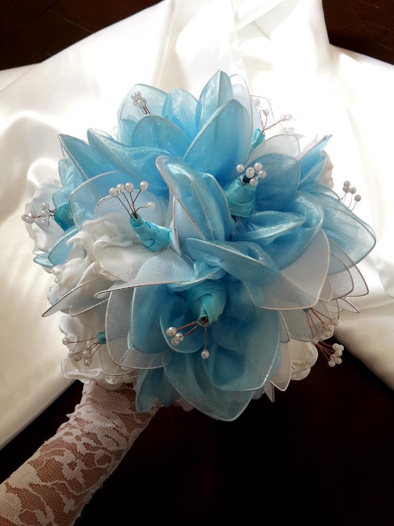Kytička v modro bielej farbe,pošta v cene - Obrázok č. 1