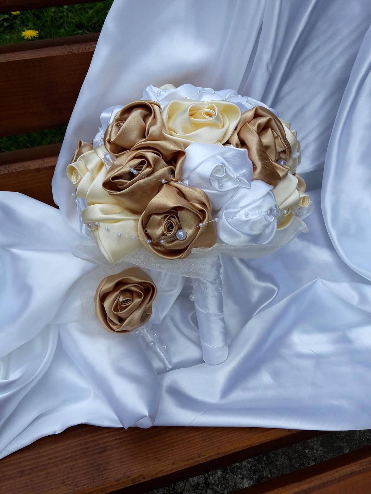 Zlato bielo krémová kytička,pošta v cene - Obrázok č. 1