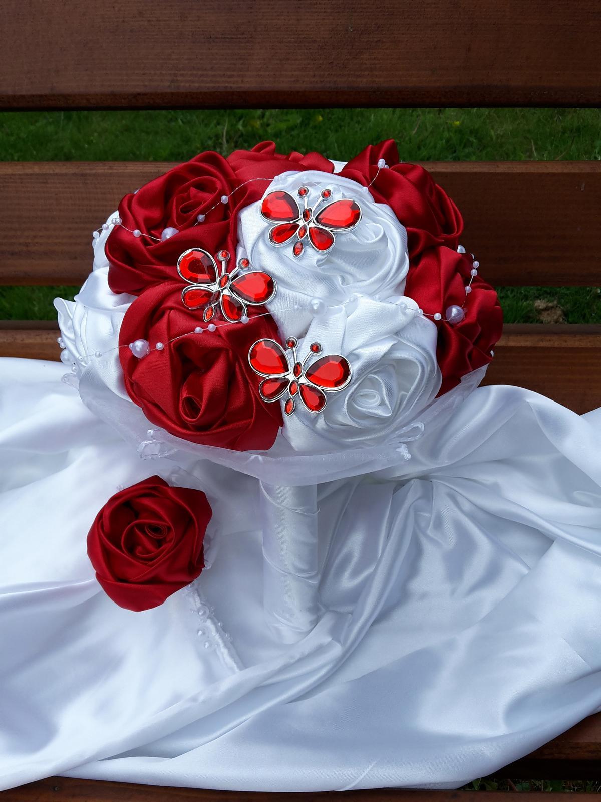 Červeno biela s motýlikmi,pošta v cene - Obrázok č. 3