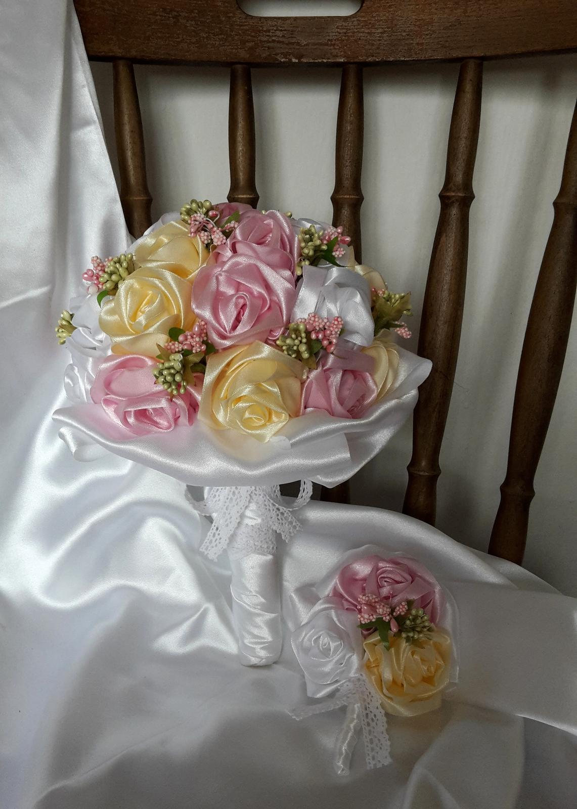 Saténové ruže-ružovo krémové,pošta v cene - Obrázok č. 2