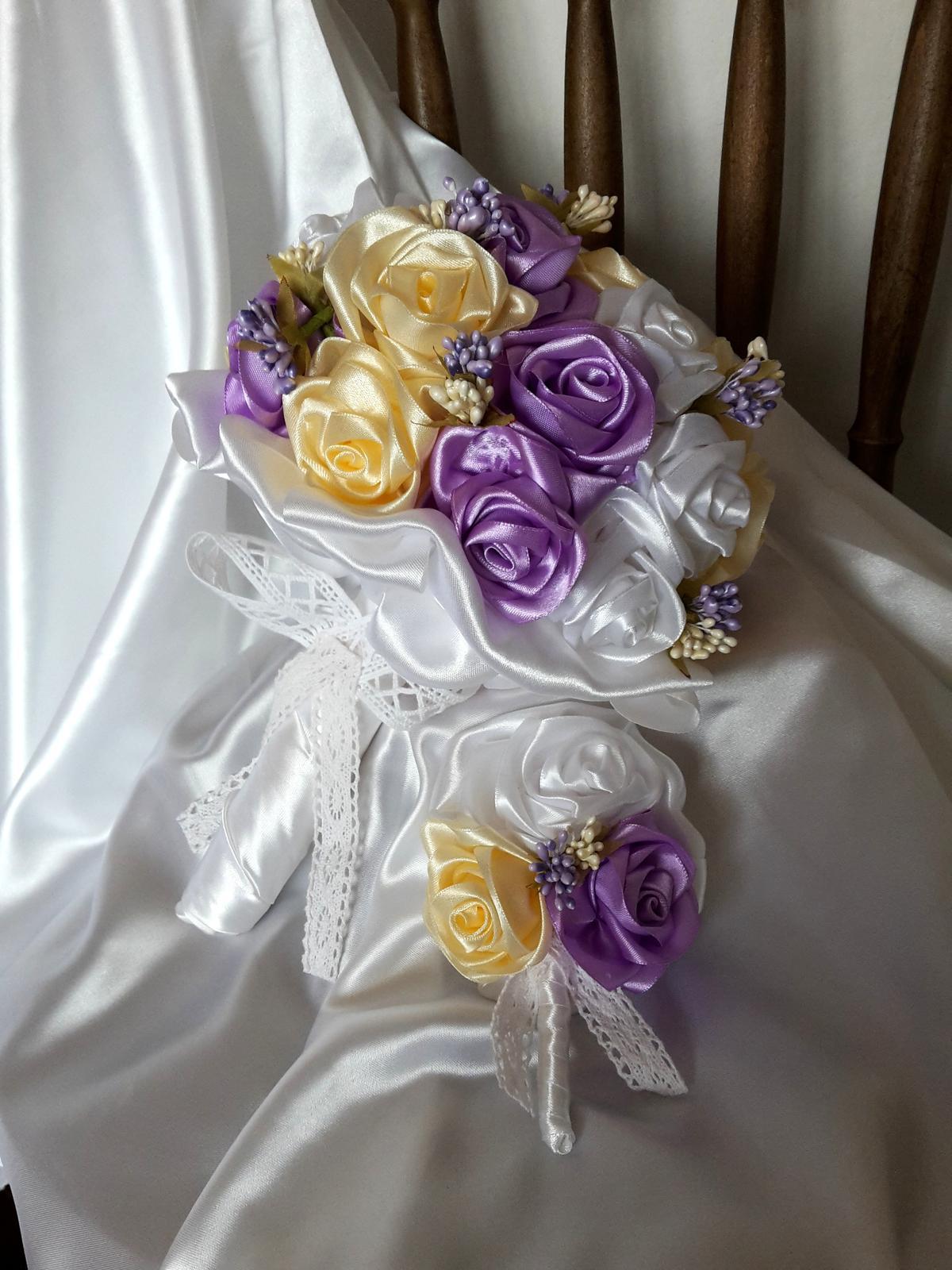 Saténové ruže-krémovo fialové,pošta v cene - Obrázok č. 2