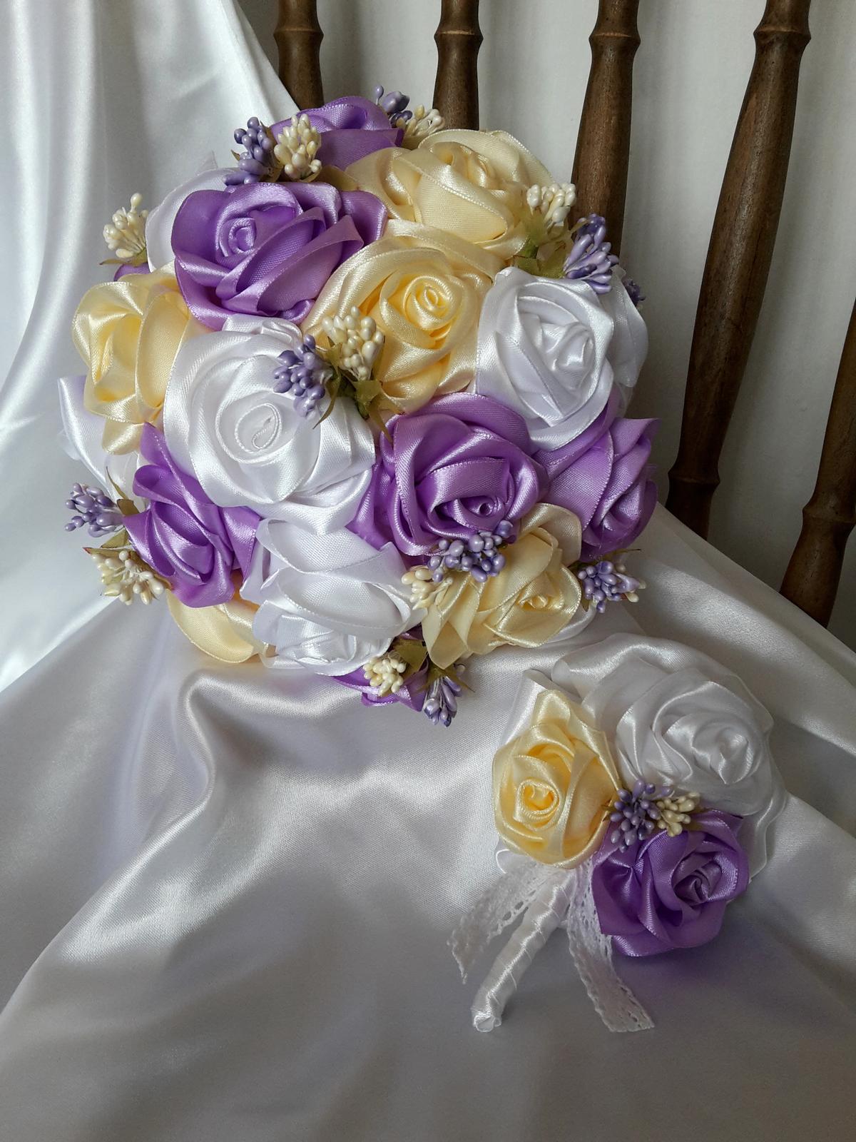 Saténové ruže-krémovo fialové,pošta v cene - Obrázok č. 1