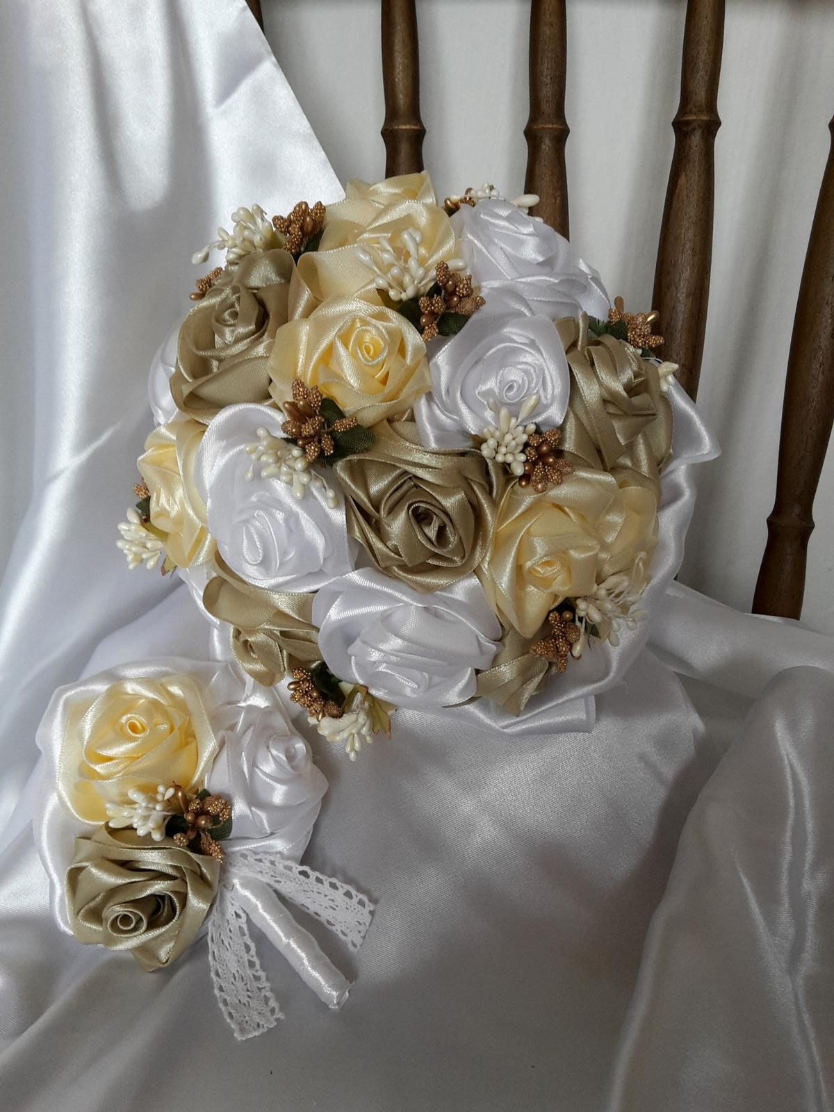 Saténové ruže-krém a cappuccino,pošta v cene - Obrázok č. 1