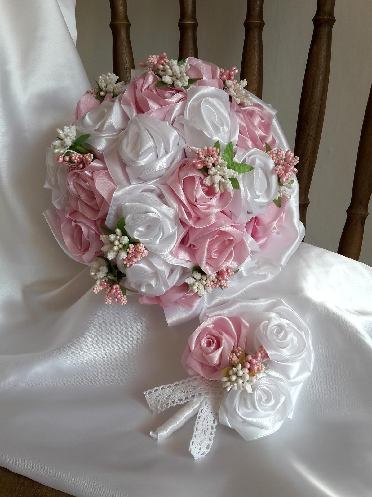 Saténové ruže-ružovo biele,pošta v cene - Obrázok č. 1
