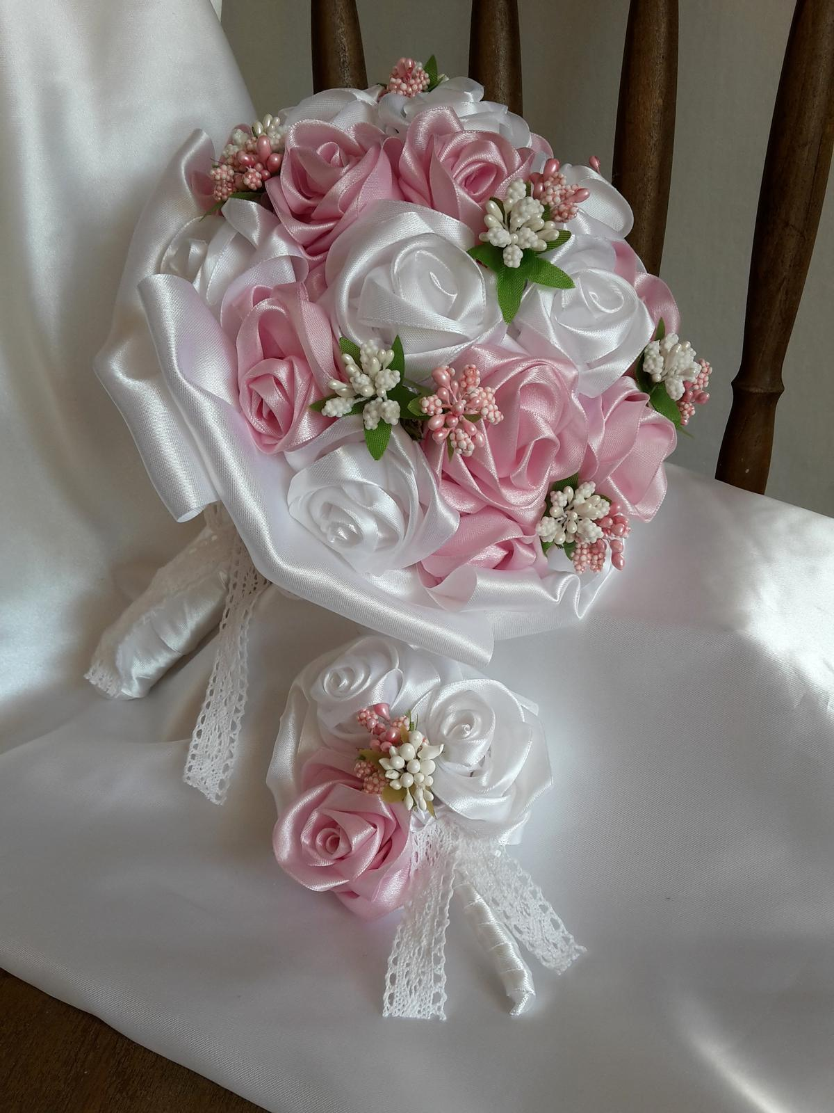 Saténové ruže-ružovo biele,pošta v cene - Obrázok č. 2