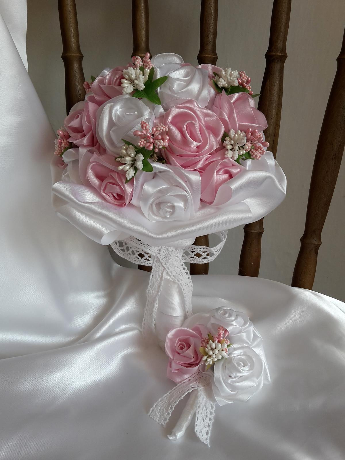 Saténové ruže-ružovo biele,pošta v cene - Obrázok č. 3