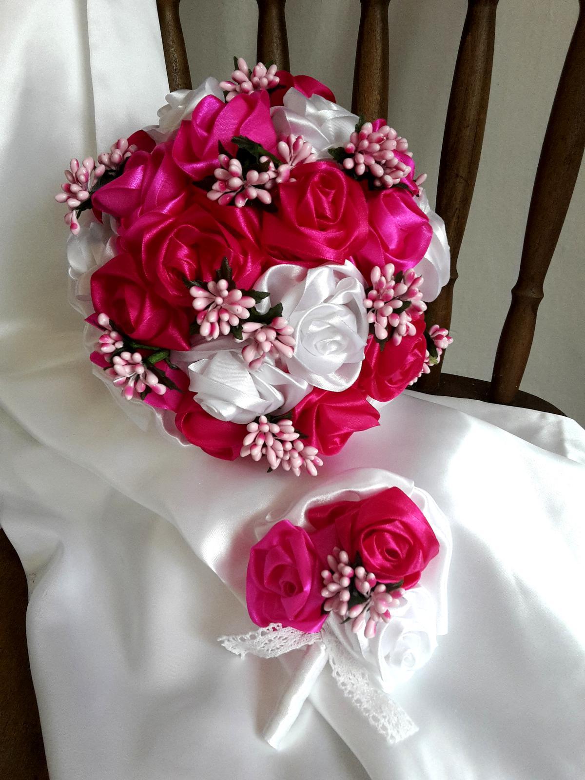 Saténové ruže-bielo cyklámenové,pošta v cene - Obrázok č. 2