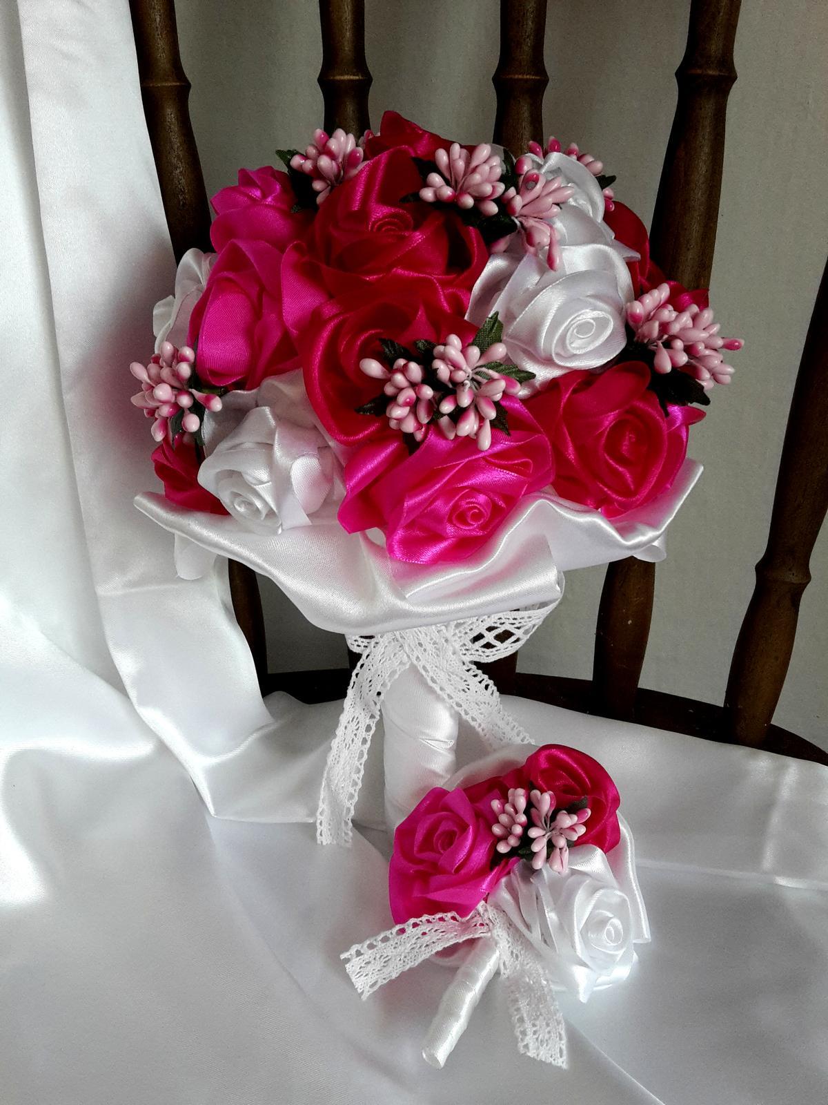 Saténové ruže-bielo cyklámenové,pošta v cene - Obrázok č. 3