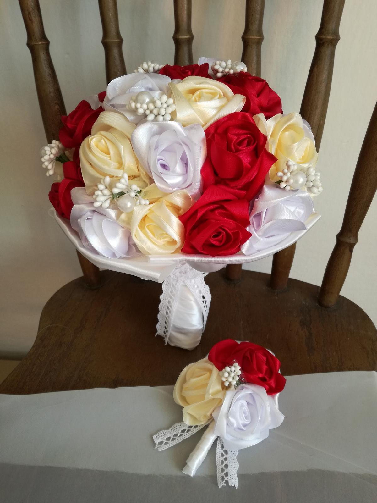 Saténové ruže-bordovo krémové,pošta v cene - Obrázok č. 1