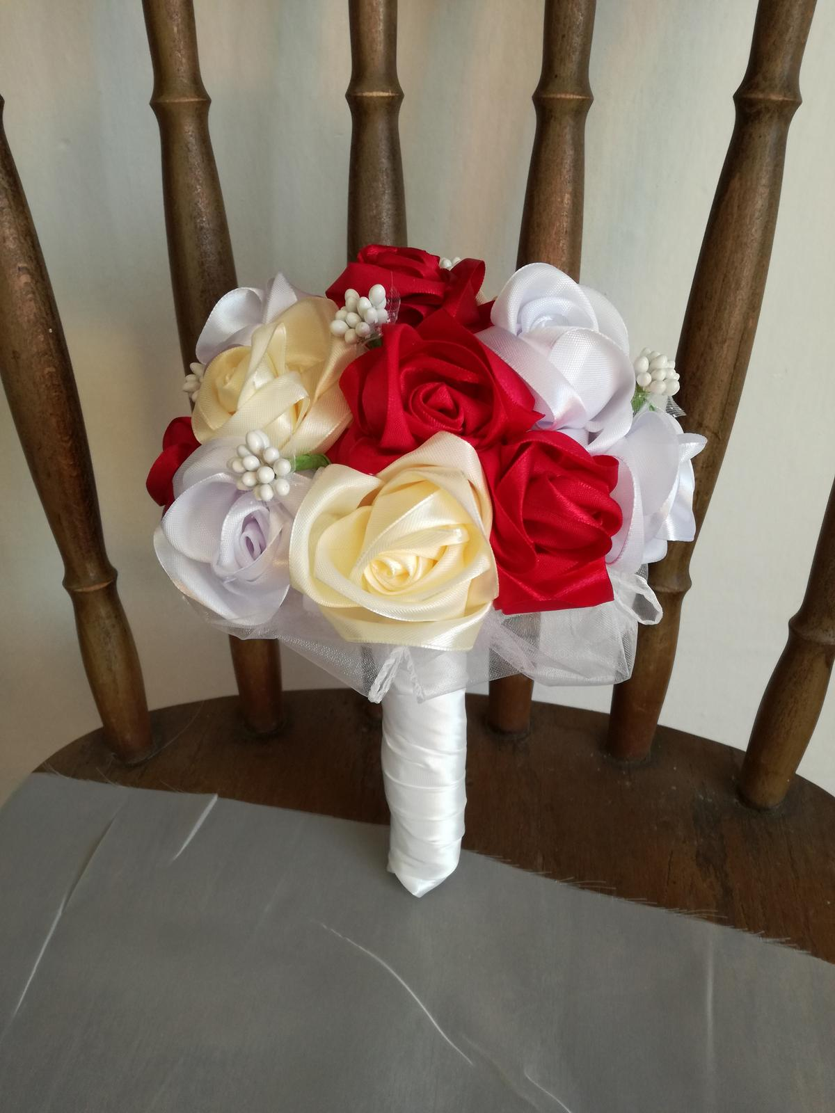 Saténové ruže-bordovo krémové,pošta v cene - Obrázok č. 2