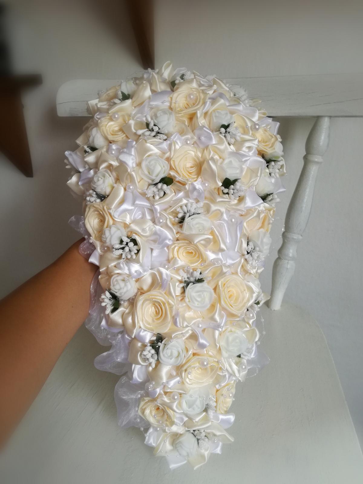 Previslá krémovo biela kytica, pošta v cene - Obrázok č. 2