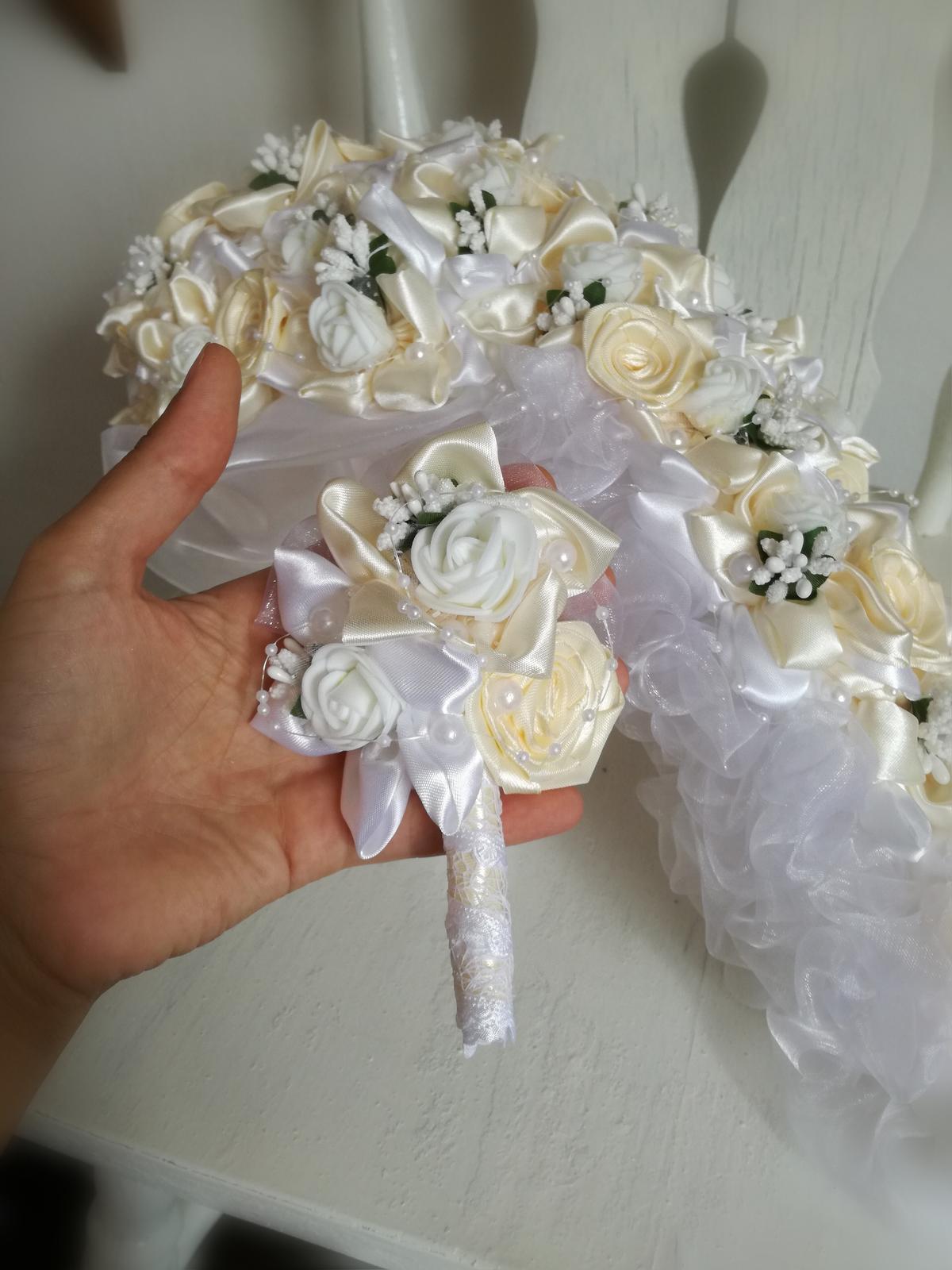 Previslá krémovo biela kytica, pošta v cene - Obrázok č. 3