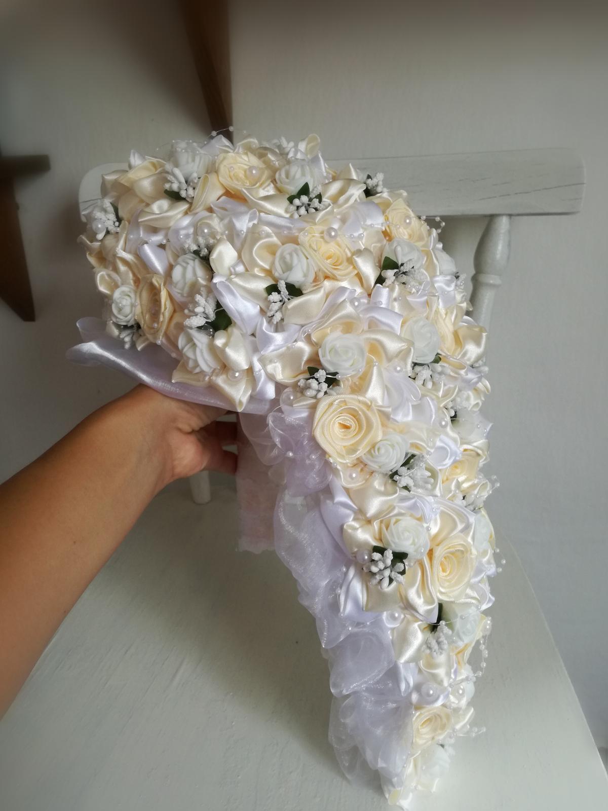 Previslá krémovo biela kytica, pošta v cene - Obrázok č. 4