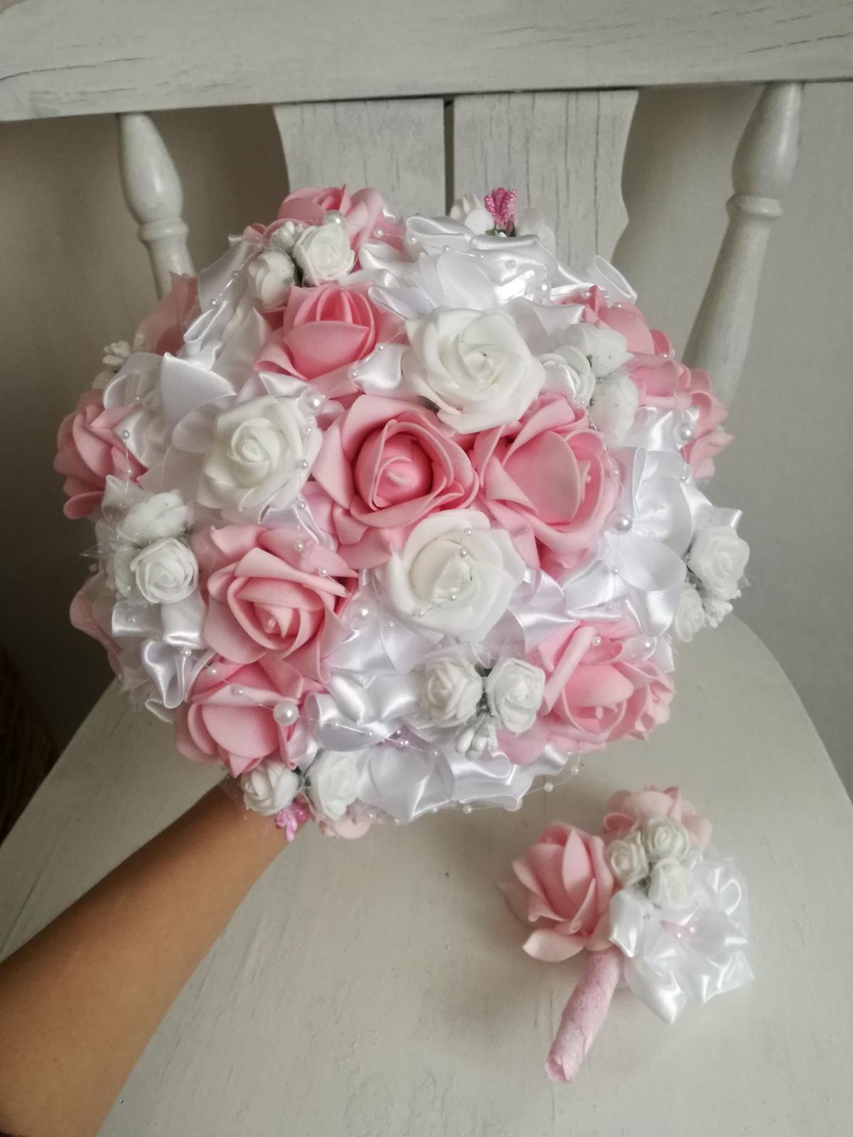Rozvinutá ružovo biela - Obrázok č. 1