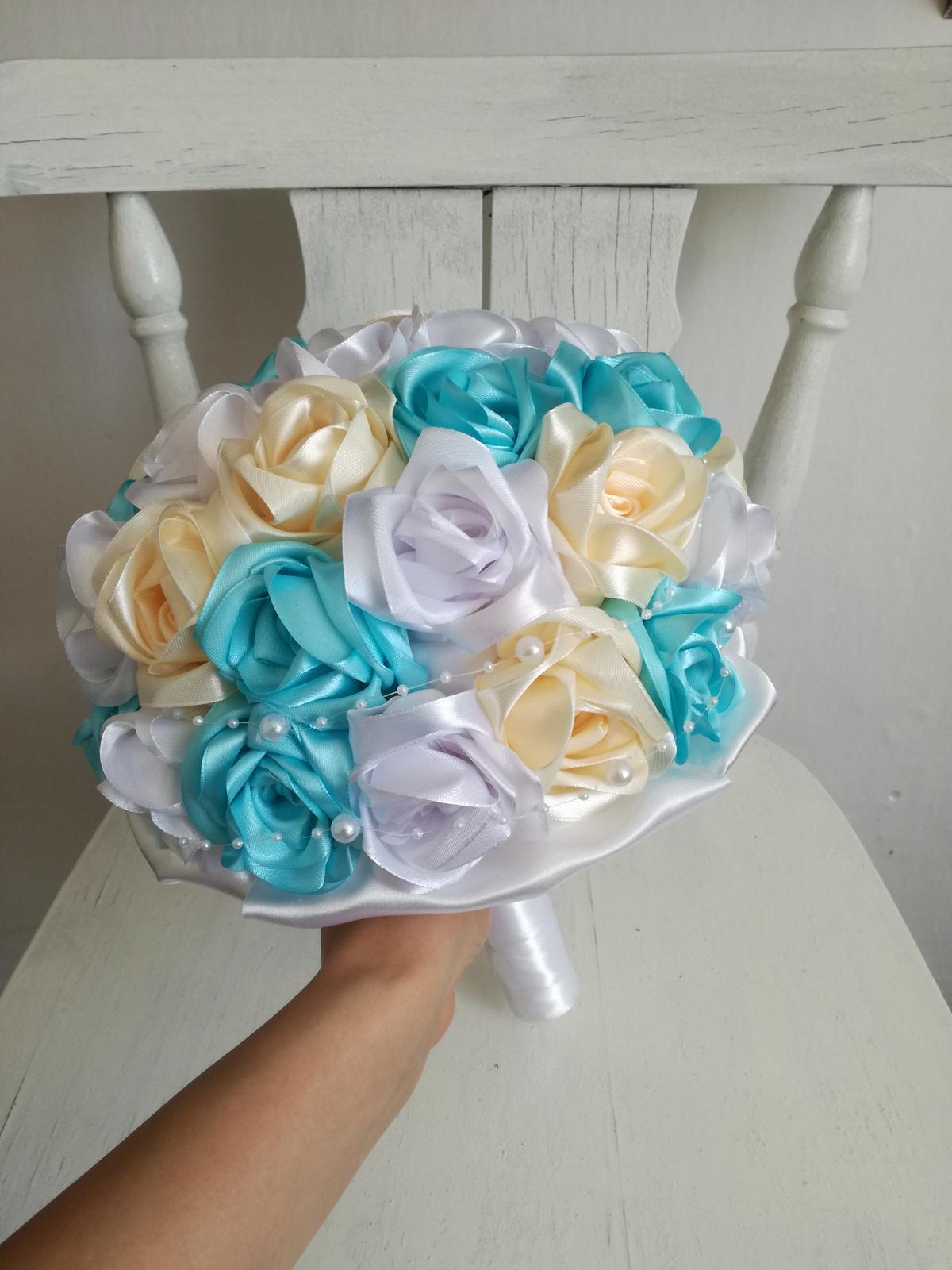 Z ruží krémovo tyrkysová,pošta v cene - Obrázok č. 2