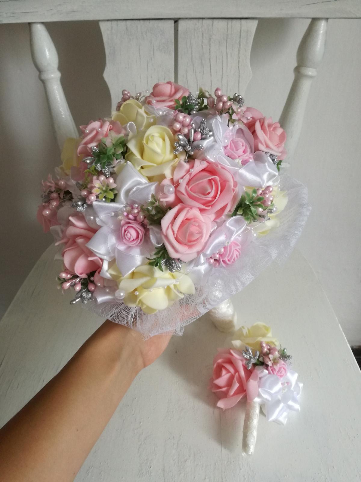 Rozkvitnutá ružovo krémová,pošta v cene - Obrázok č. 1