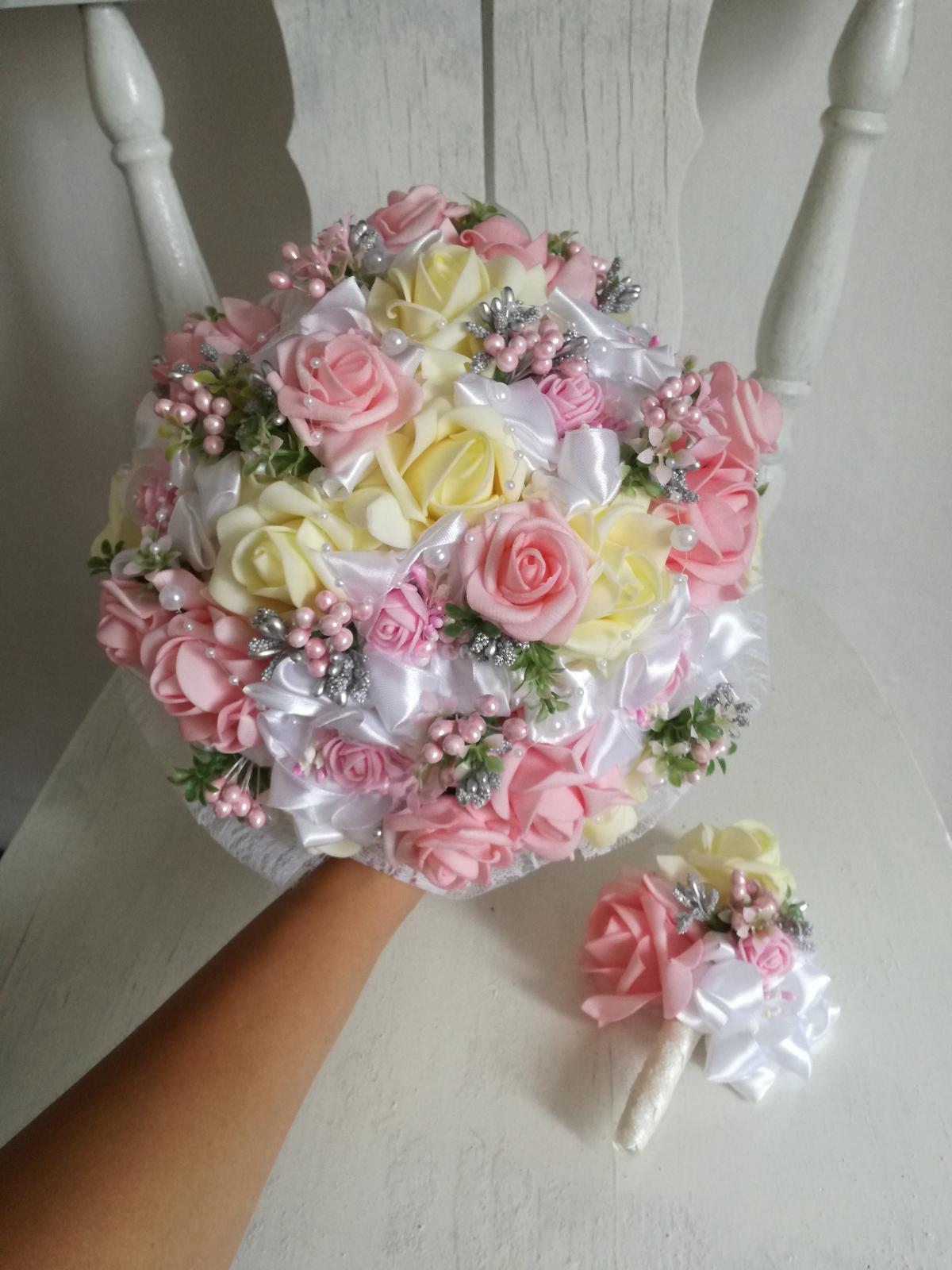 Rozkvitnutá ružovo krémová,pošta v cene - Obrázok č. 3