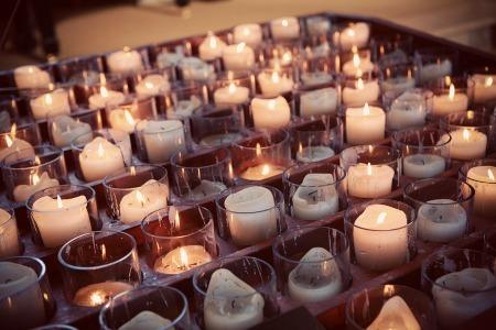 Budeme manželia :) - do kostola by bolo krásne :) máme taký tmavý kostol, tak pred oltár by to možno bolo fajn :)