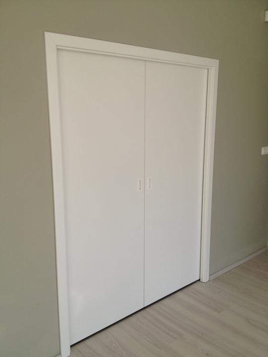 Dom_stavba_vybavenie - 3.3.2012 - cast nasich krasnych dveri :-)