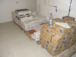 18.10.2011 - dorazili obklady a dlazby
