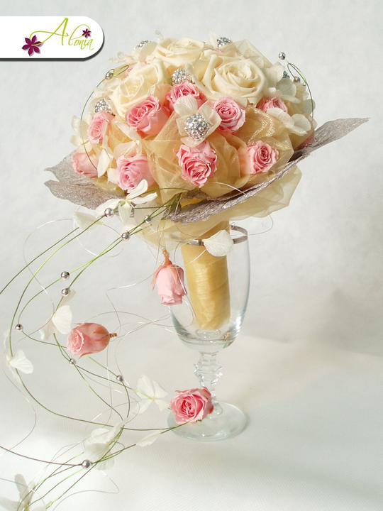 Pro radost - Já ty impregnované růže prostě miluju :-) Kytičky které vydrží hodně dlouhou dobu krásné, jako právě donešené z květinářství.