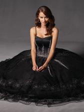 s popolnočnými šatami je to rovnako ťažké ako so svadobnými...páči sa mi ich veľa xo)))