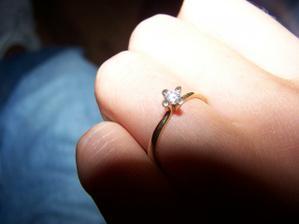 Môj nádherný zásnubný briliantíkový prstienok
