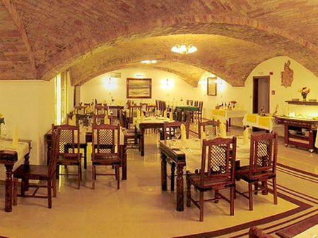 Prvý letný dník 2008 a naša svadba:) - Tu bude svadobná hostina - hotel Matyšák
