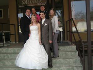 sourozenci nevěsty a jejich polovičky