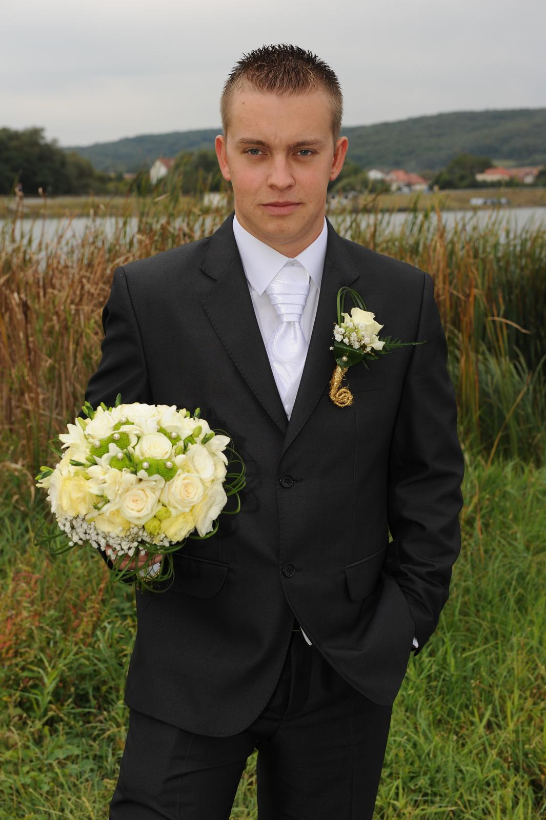Pánsky svadobný oblek - Obrázok č. 3
