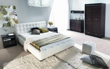čalouněná postel se mi líbí více než dřevěná - působí útulně