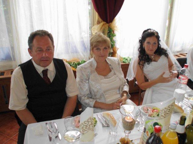 Petra{{_AND_}}Majo Bakicovci - s maminkou a ocinkom