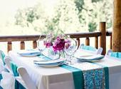 univerzální potahy na židle a další svatební dekor,