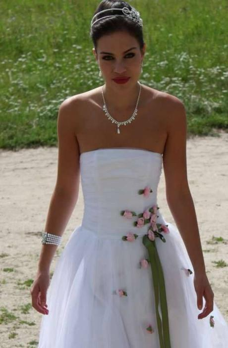 Princeznovské svatební šaty - Obrázek č. 1